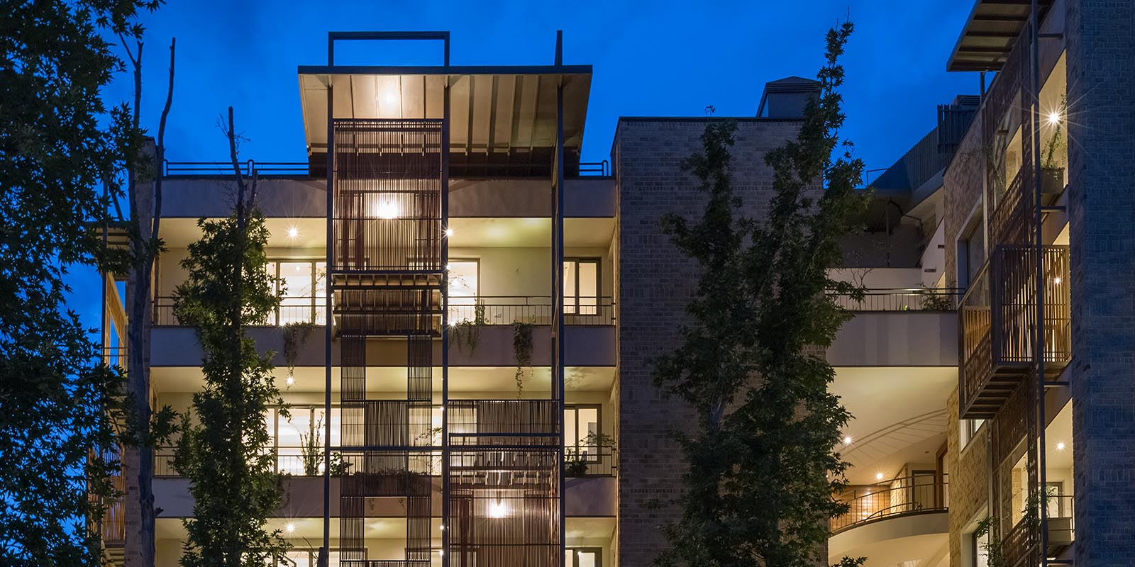 Earrings Residential Building - 2nd in Memar Award 2016